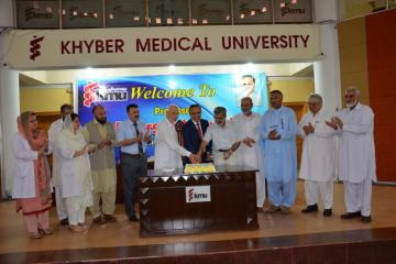 02.Prof Arshad Javed VC KMU along with Prof Daud Khan and Prof Hafizullah Ex VCs cutting cake during Welcome party (Custom)1501818081.JPG